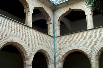 claustro-santo-domingo-silos.jpg